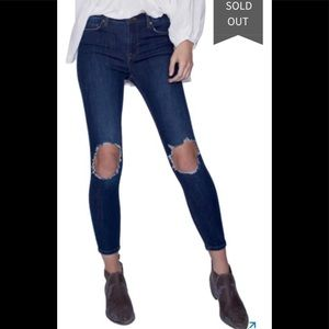New! Free People busted knee high rise jeans 27